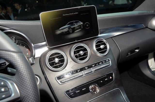 wearable-tech-will-the-next-big-thing-come-to-cars_v286.640